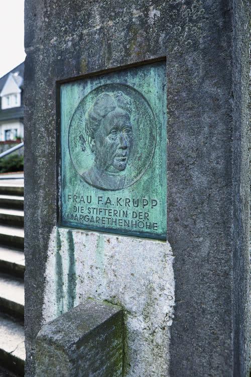 Ehrenplakette für Margarethe Krupp